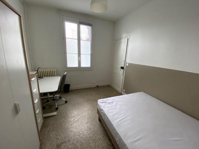 chambre 2, lit double